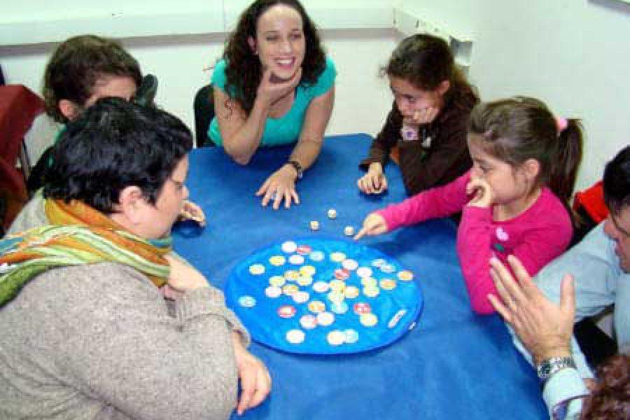 מבוגרים וילדים במשחקי חשיבה